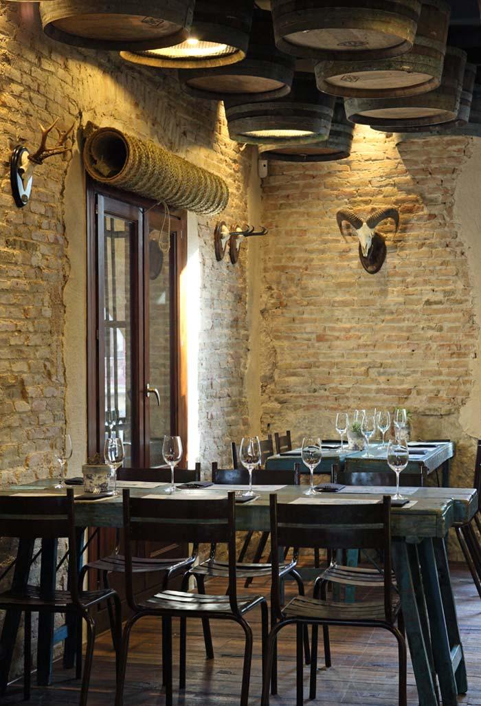 Imágenes del mobiliario de Francisco Segarra en la boquería Casa Guinart