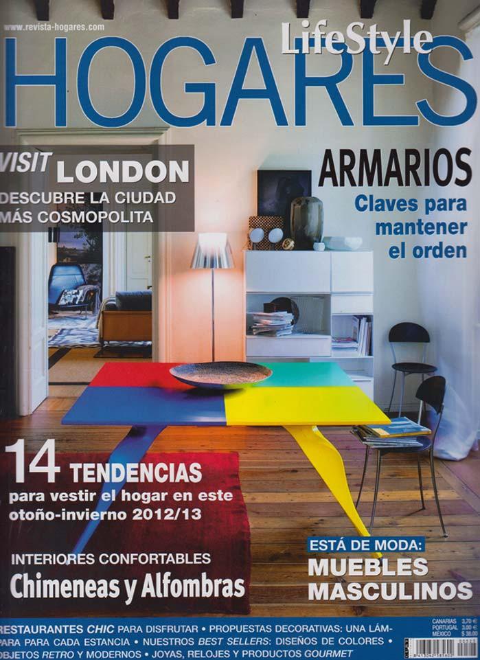 """Imágenes de las sillas contract de Francisco Segarra en la publicación """"Hogares"""""""