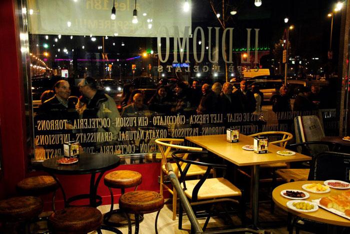 Imágenes del mobiliario en el restaurante Il Duomo