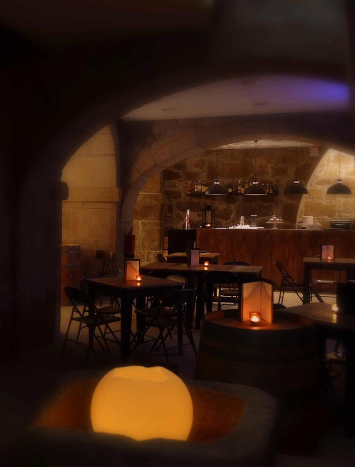 Imágenes del mobiliario vintage en el Hotel Carris Porto Ribeira