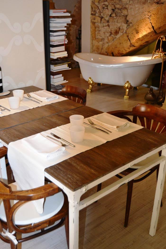 Imágenes de los muebles y antigüedades de la firma Francisco Segarra en Degvusta