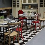 Imágenes de los muebles vintage FS en el restaurantes Las Cavas
