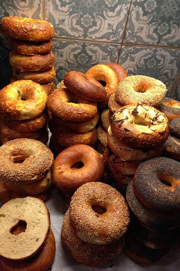 Imágenes de interiorismo y decoración en cafeterías y panaderias.