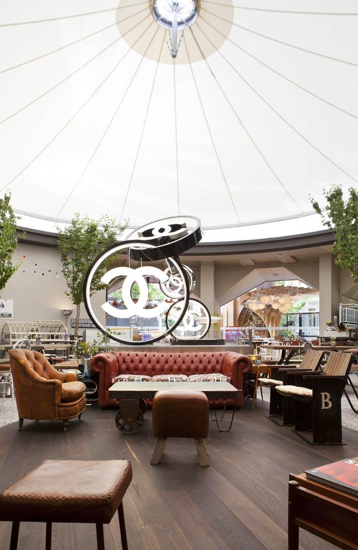 Mobiliario vintage francisco segarra restaurante casa decor for Casa garcia muebles