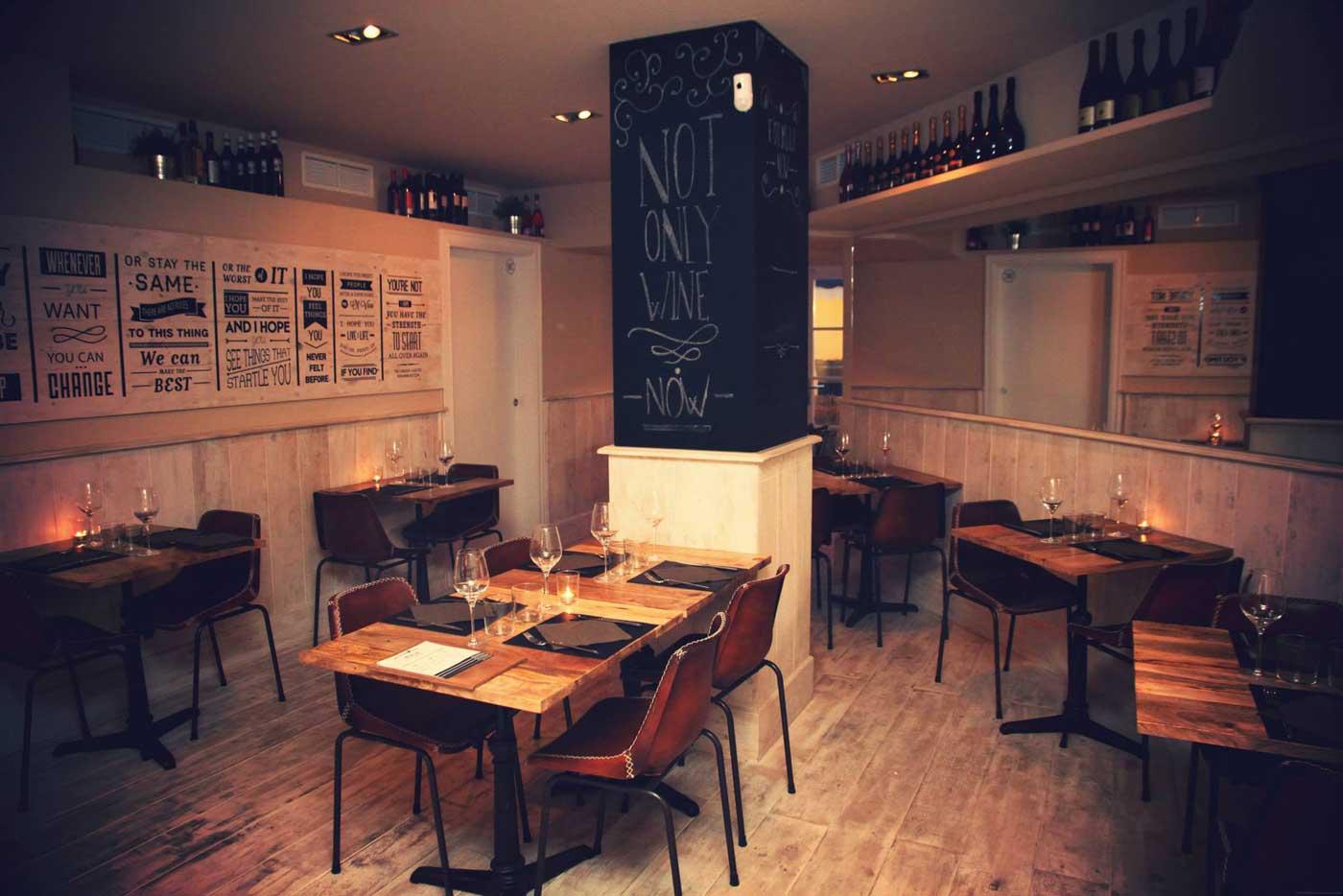 Muebles vintage francisco segarra para decoraci n vinotecas for Menaje de cocina para restaurante