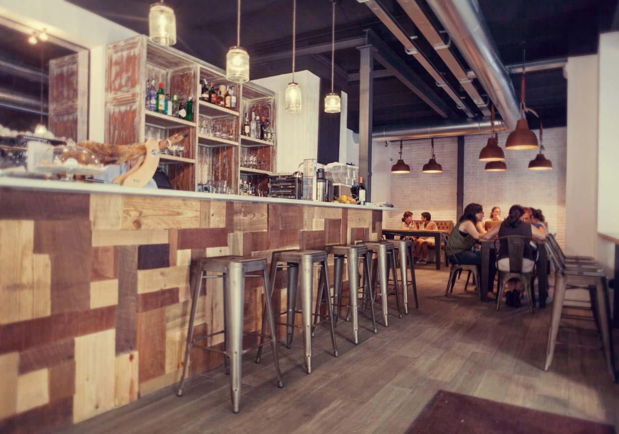 Imagen de los taburetes FS en la barra de bar de Forn Le Petit Pain