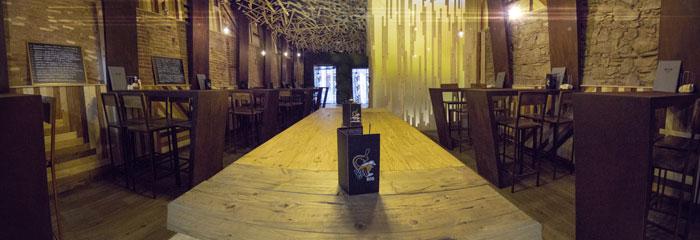 Foto de la mesa Moose de Francisco Segarra en la cervecería BierCaB.