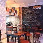 Imágenes del proyecto de interiorismo en el bar de tapas DVINOS