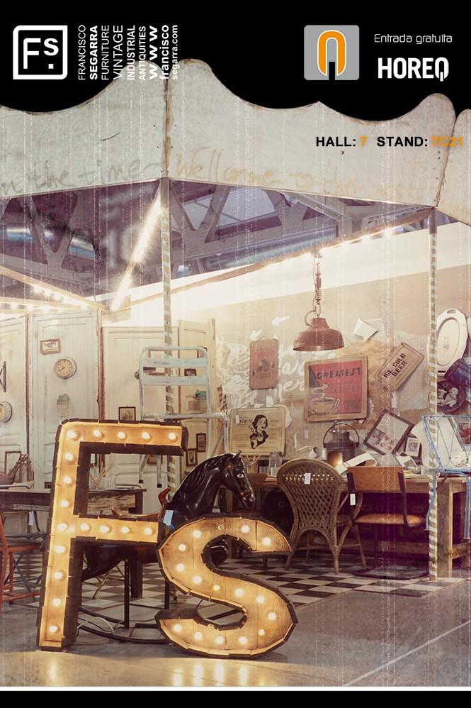 Imagen del Stand de la firma de muebles vintage Francisco Segarra.