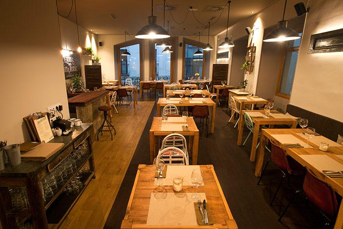 Foto de los muebles para restaurantes de la firma Francisco Segarra.