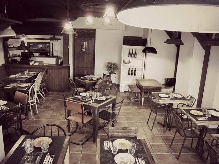 Imagen de la noticia sobre Francisco Segarra. Mesas, sillas e iluminación, para restaurantes.