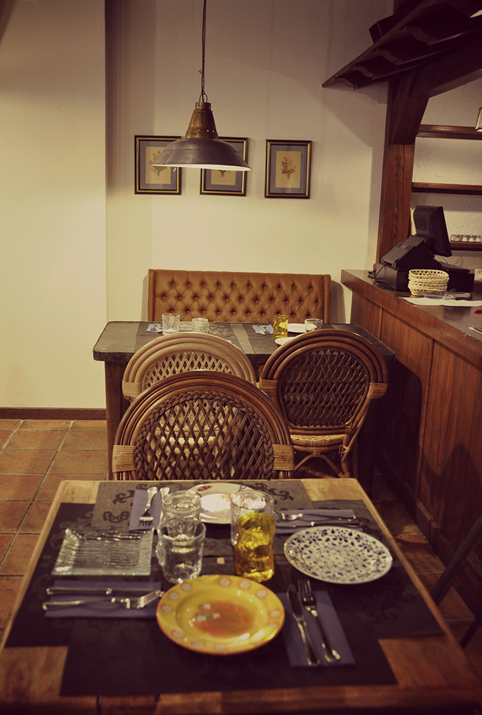 Imágen del mobiliario vintage para restaurantes Francisco Segarra.