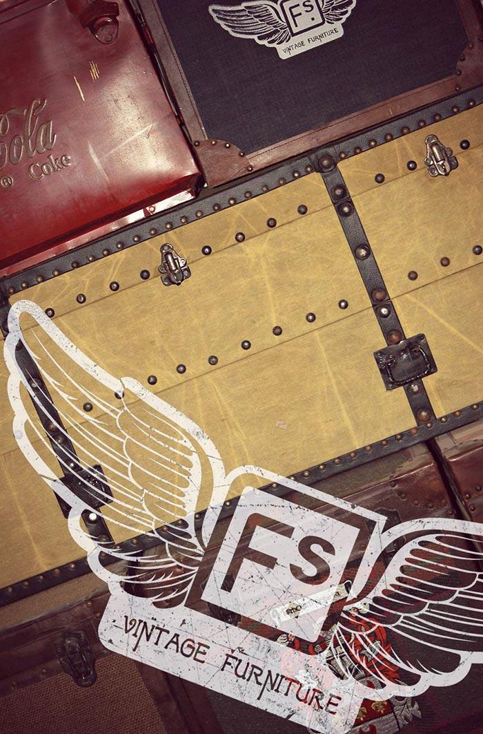 Imagen de los baúles vintage en el nuevo Showroon de la firma Francisco Segarra.
