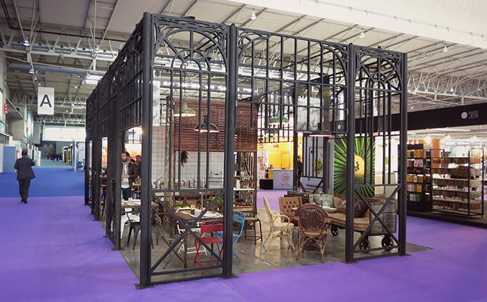 Stand de la firma de mobiliario industrial & vintage Francisco Segarra en Alimentaria.