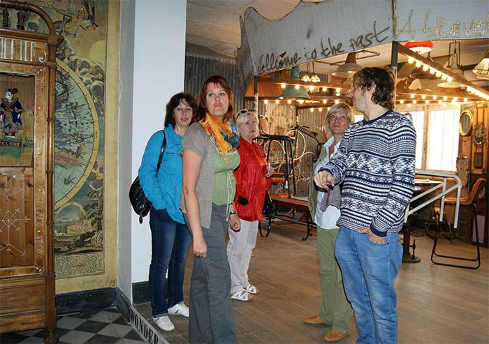 Interioristas y arquitectos visitan nuestro showroom de Francisco Segarra.