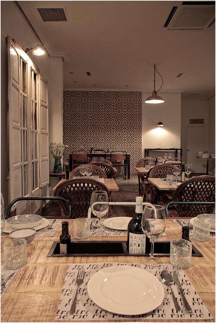 Foto de las Mesas, sillas y mobiliario para hostelería de la firma Francisco Segarra.