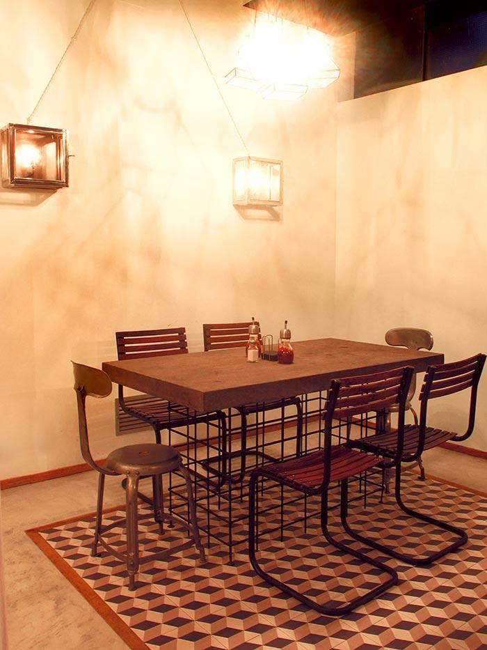 Imagen del mobiliario en la decoración del restaurante El Quiosc de Can Carreras.