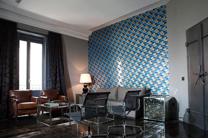 Imagen de los muebles vintage patra oficinas en el espacio de Casa Decor.