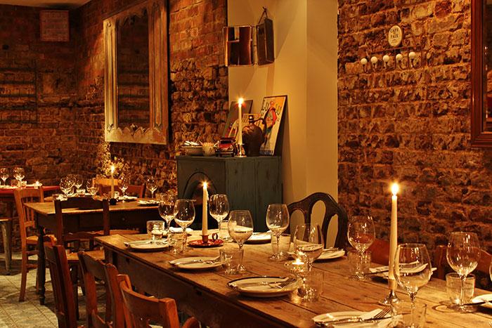 Imagen de los muebles vintage para proyectos de decoración en restaurantes.
