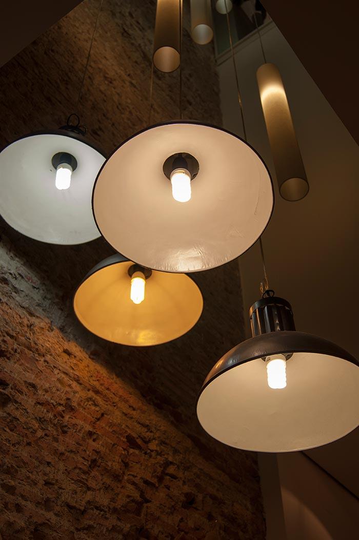 Imagen de las lámparas industriales Francisco Segarra.