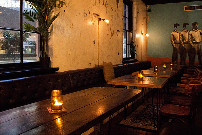 Mobiliario vintage para decoraci n de bares y restaurantes for Mesas para bar rusticas