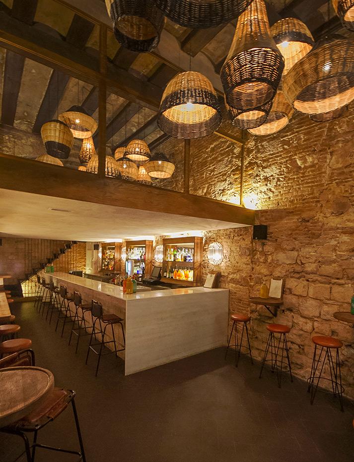 Proyecto de rehabilitaci n bar vermuter a caporal for Bar de madera para sala