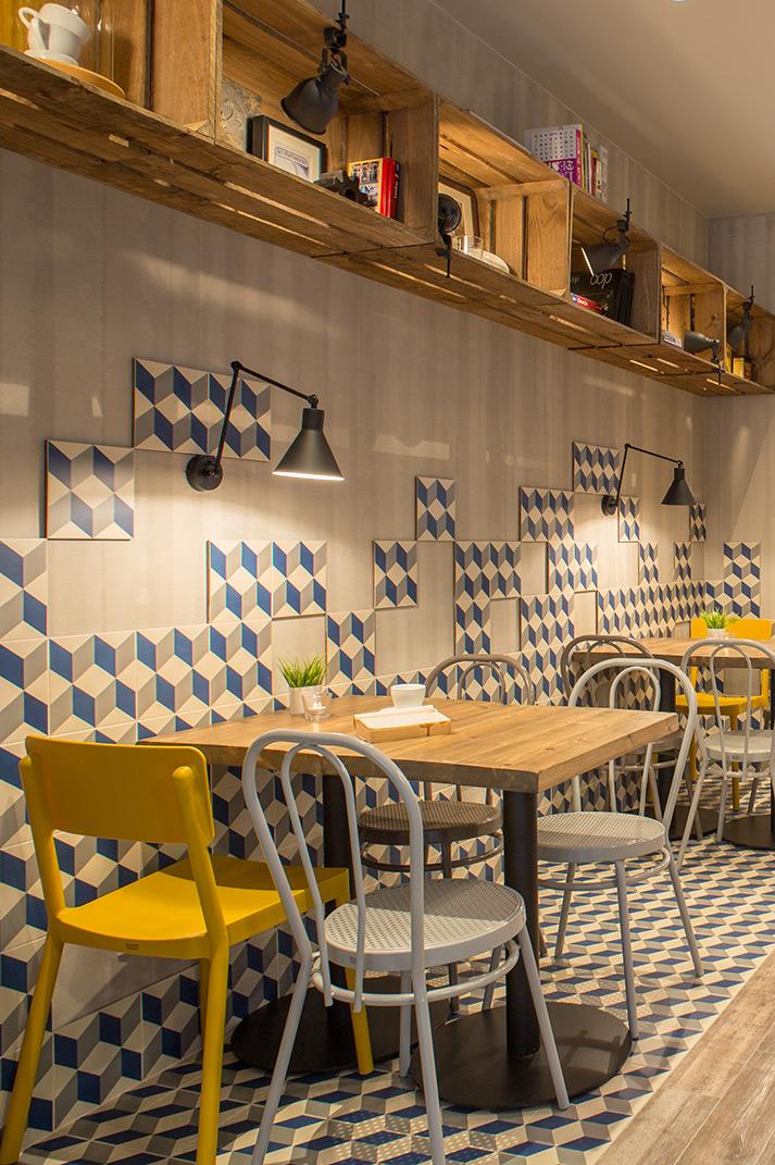 Fotos. Reforma integral cafetería Prandium por 4 Cadires.