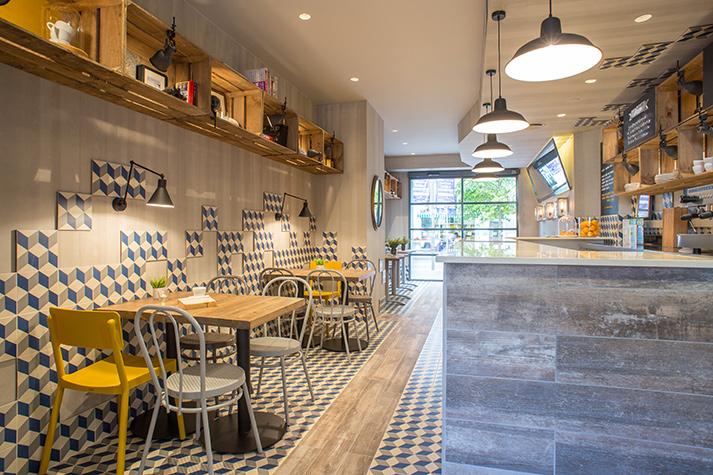 Fotos. Mobiliario cafetería prandium.