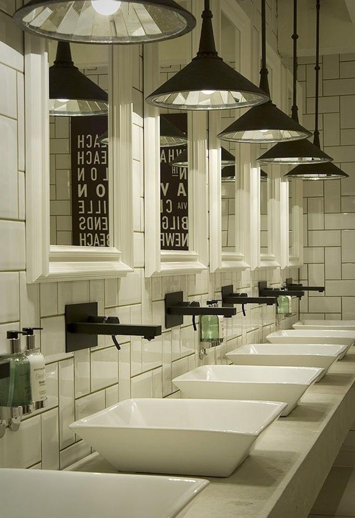 Imágenes de distintos estilo de diseño de baños para restaurantes.