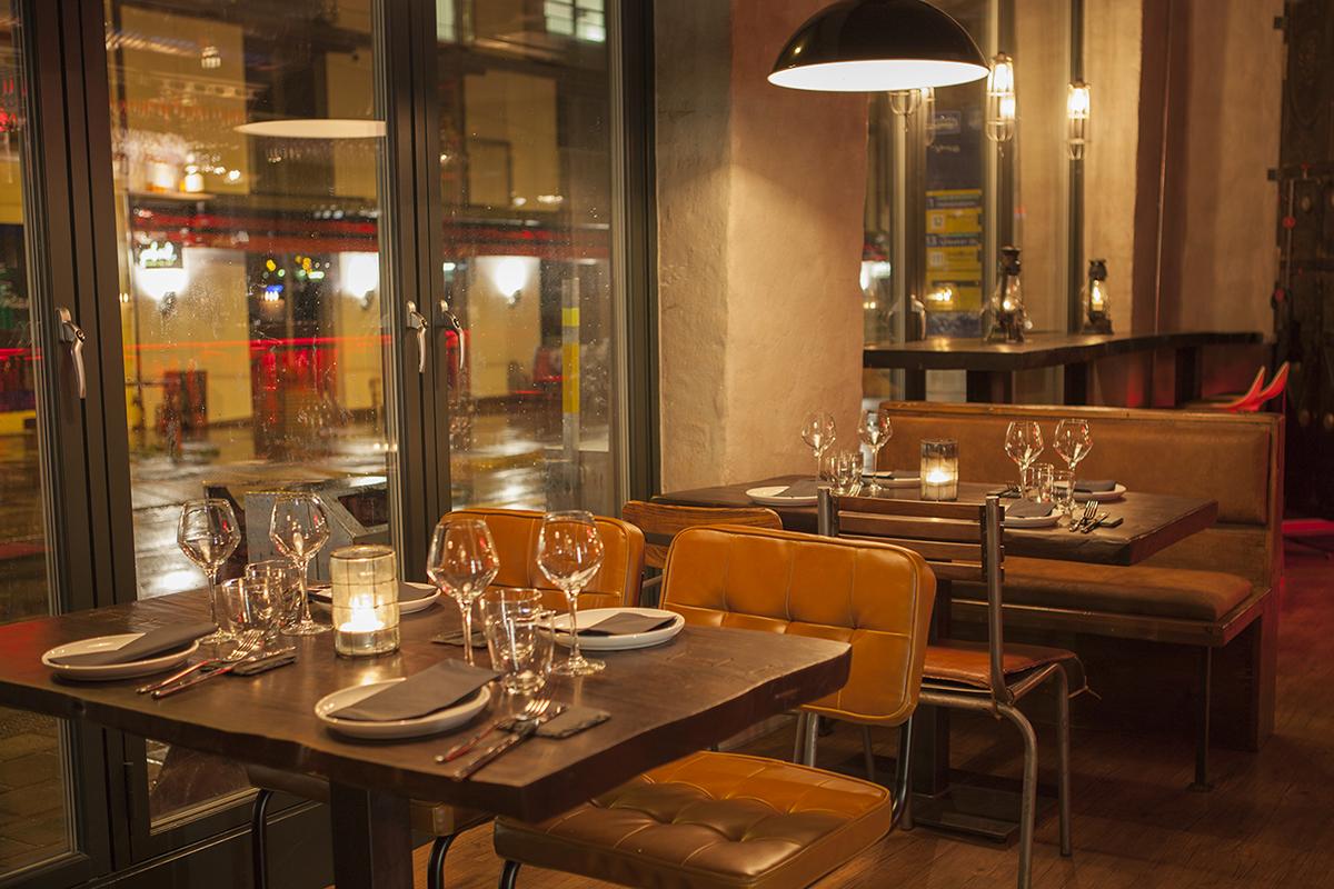 Fotos. Proyectos interiorismo. Espacios de bar de tapas. Restaurante Escalón.