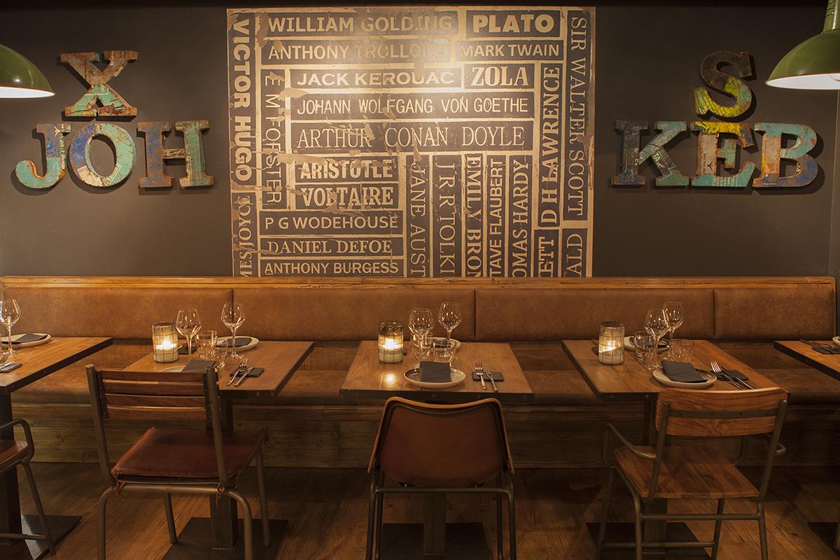 Proyectos interiorismo. Diseño interior bar de tapas Escalón.