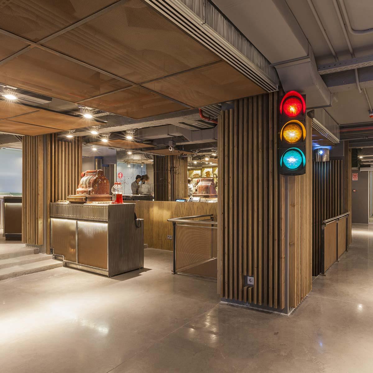 Imágenes interiores del proyecto de interiorismo pastelería Mamá Framboise.