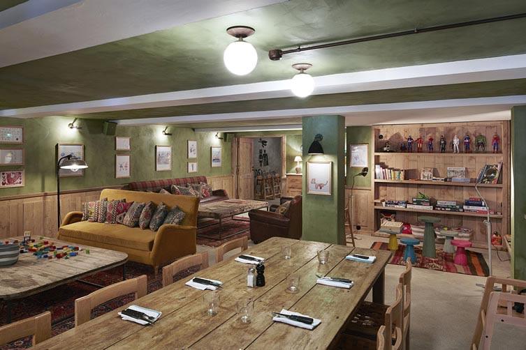 Imágenes interiores en restaurante Margherita.