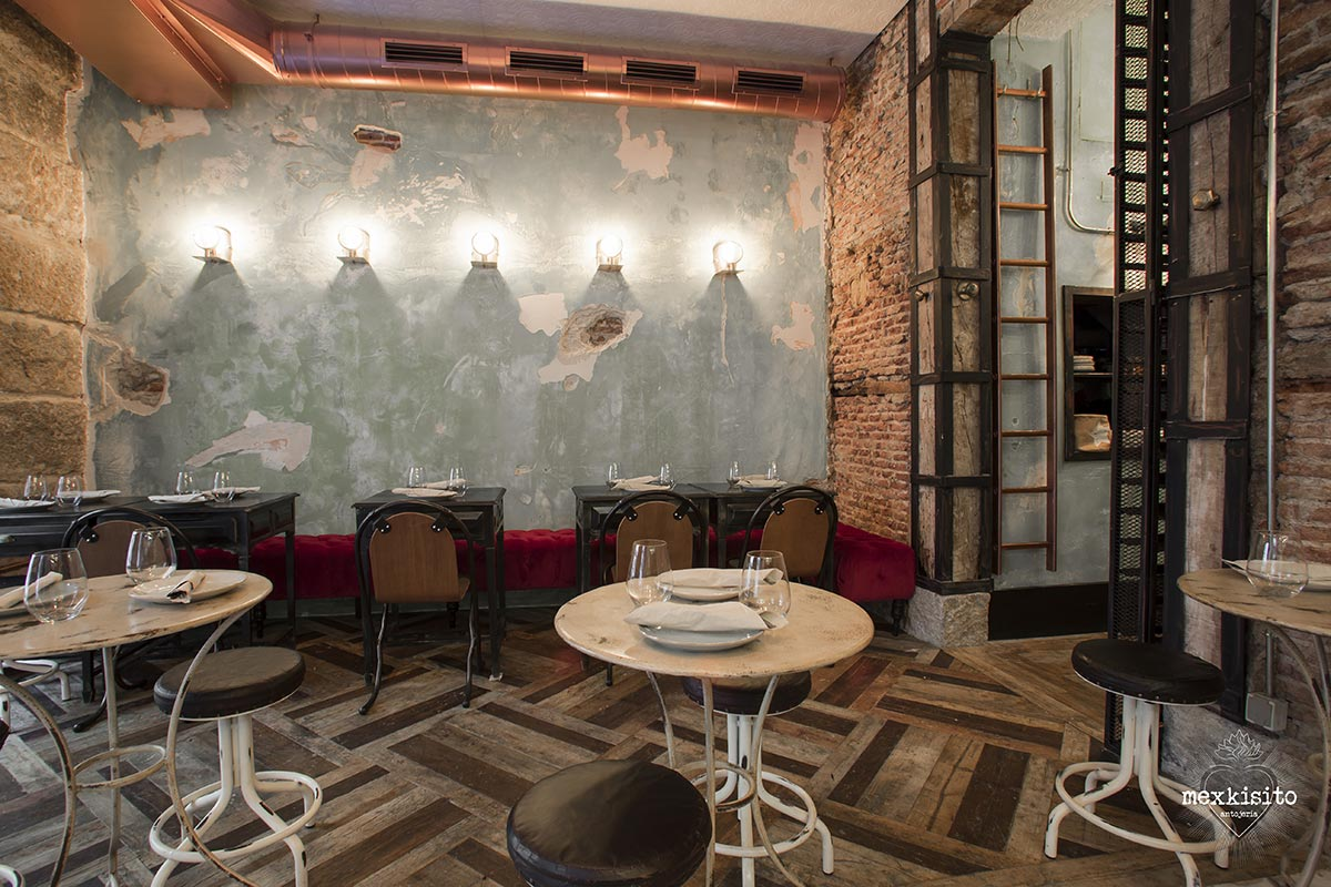 Mexkisito. Decoración restaurante industrial decadente. Maria Barrero by Francisco Segarra.