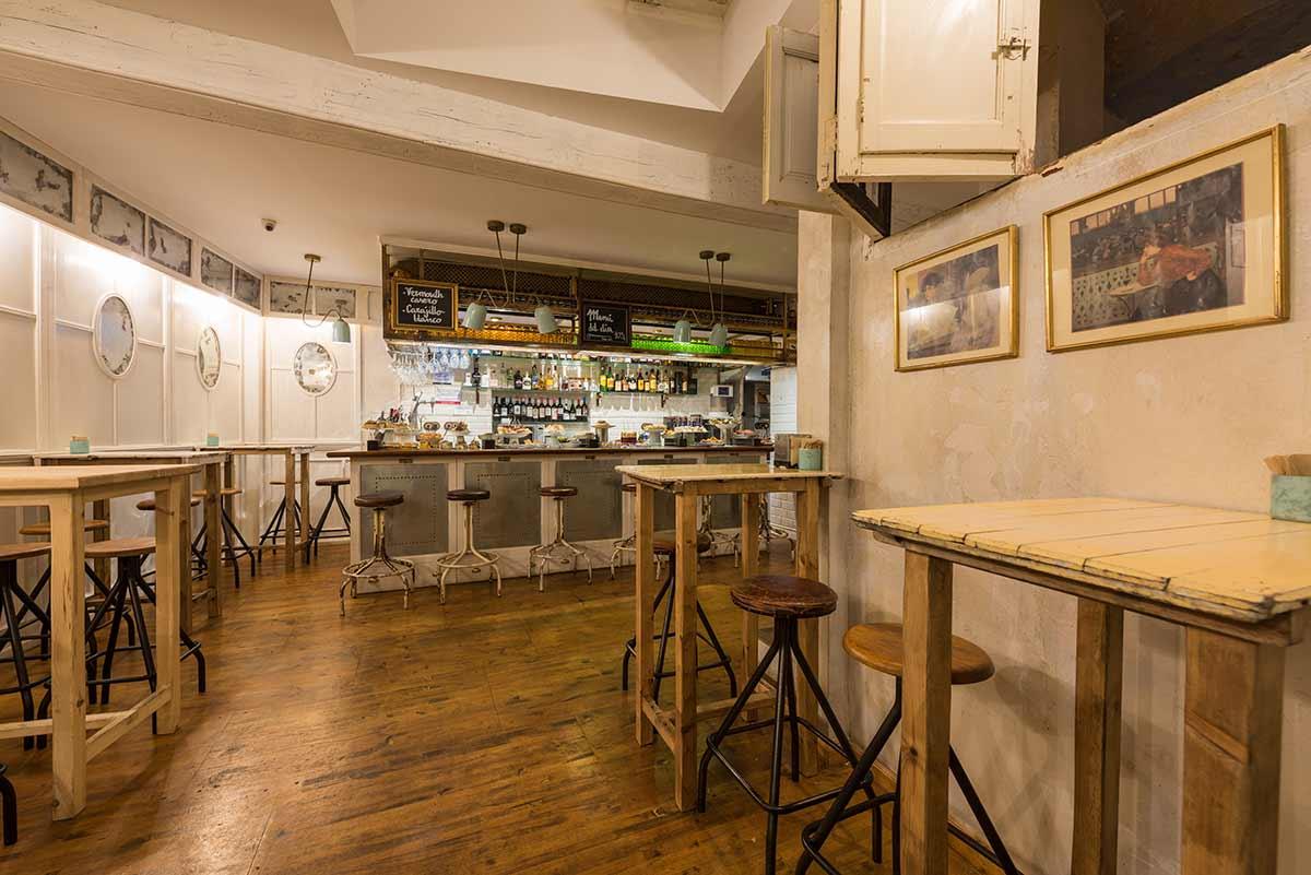 Interiorismo con auténtico sabor vasco en el diseño del restaurante Estraperlo