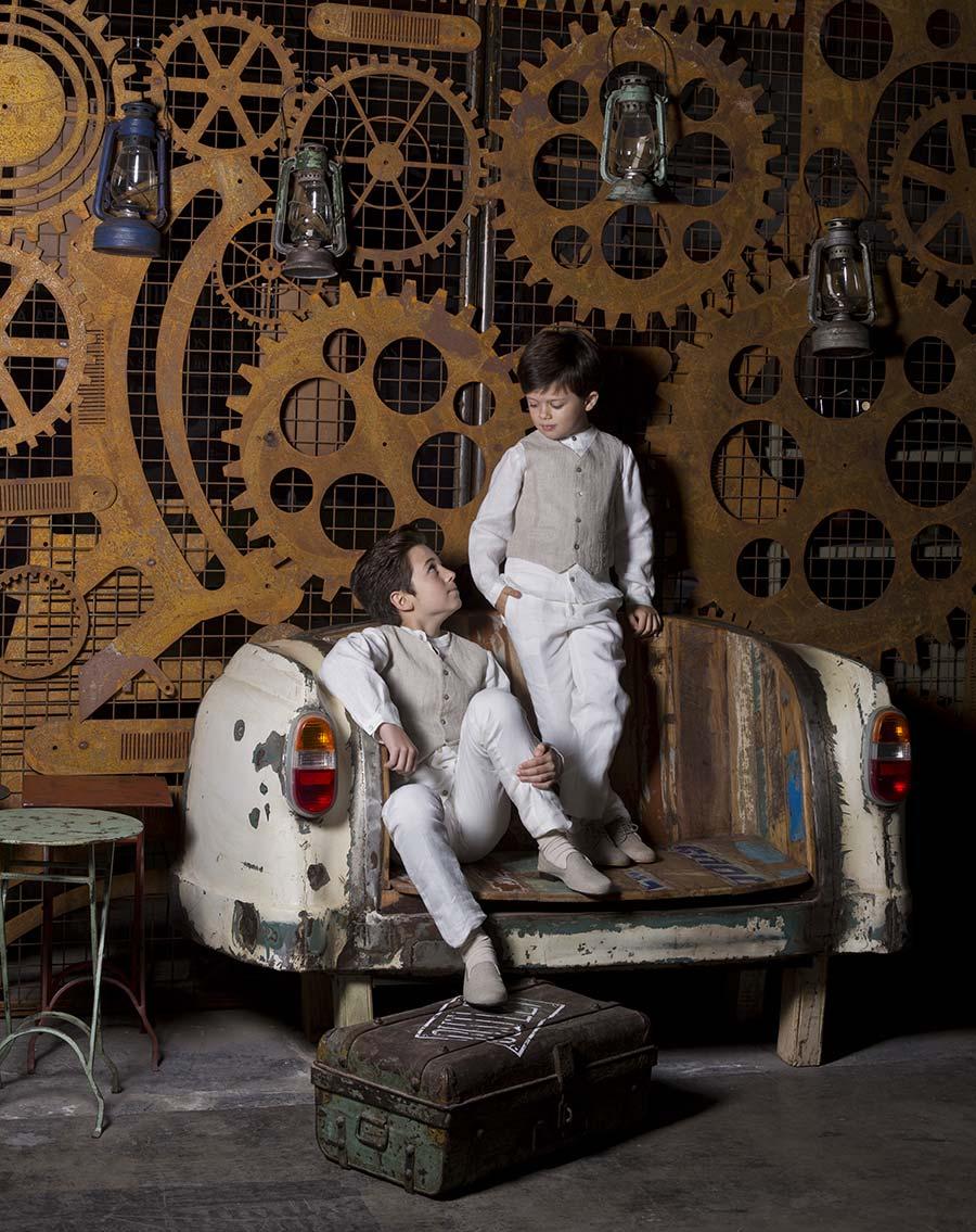 ENFANTS. Editorial de moda para & Novias en el showroom de Francisco Segarra.