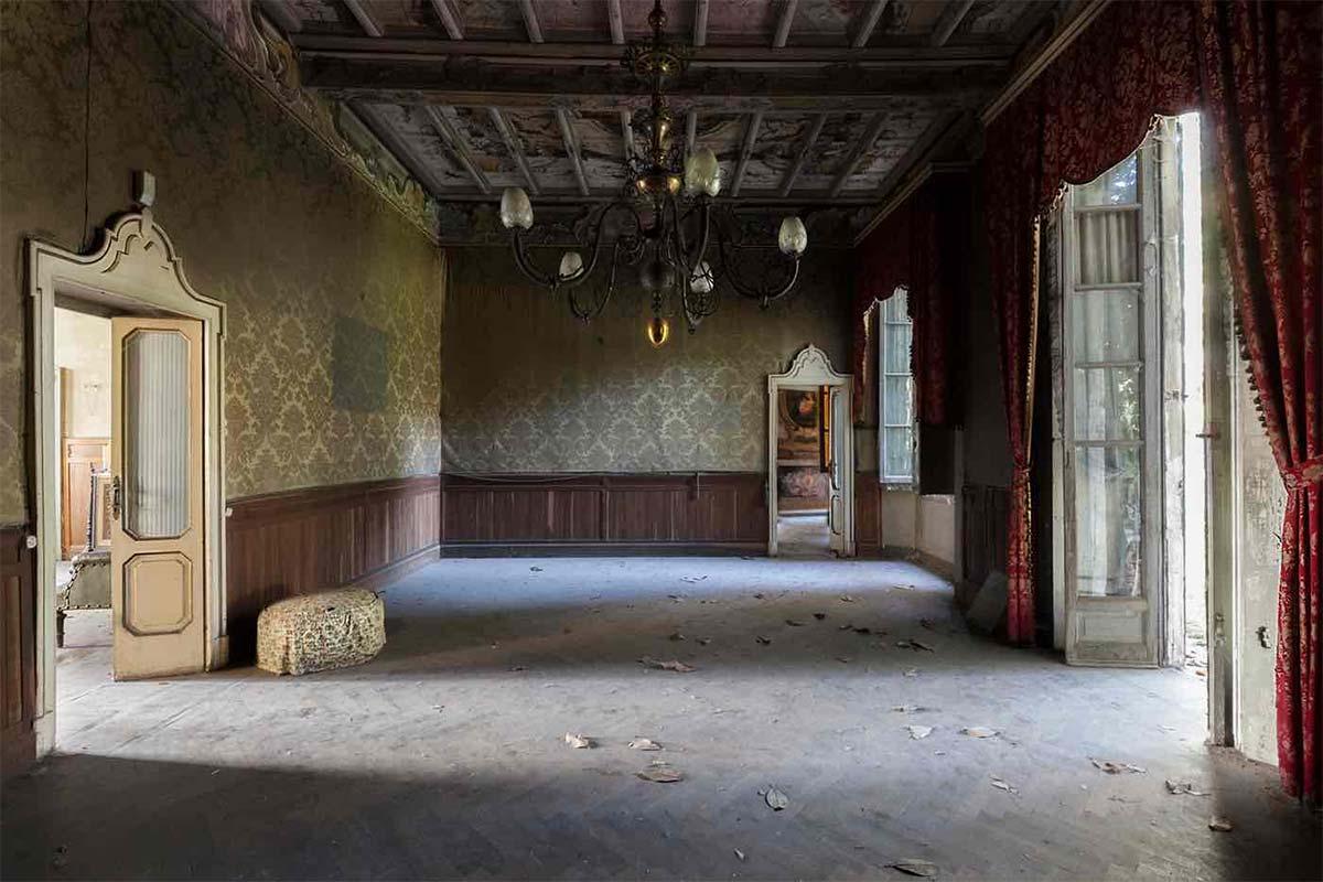 De lo olvidado nace la inspiración. La belleza de los espacios decadentes.