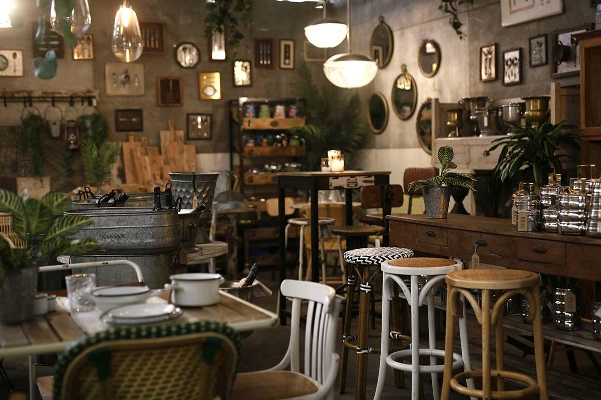 Presentación de la nueva colección de mobiliario de Francisco Segarra.