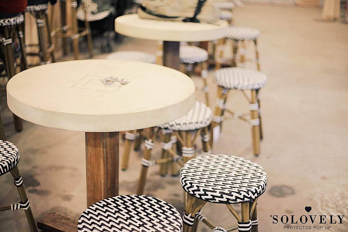 Mobiliario y decoración para espacios comerciales.
