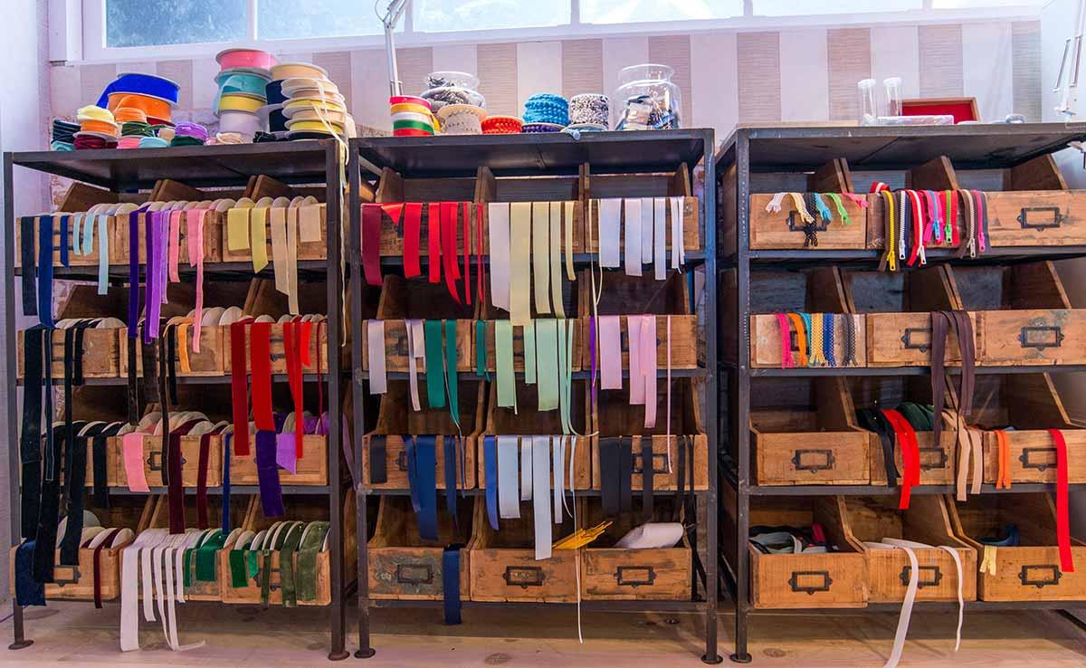 Muebles almacenaje de Maestros de la Costura.