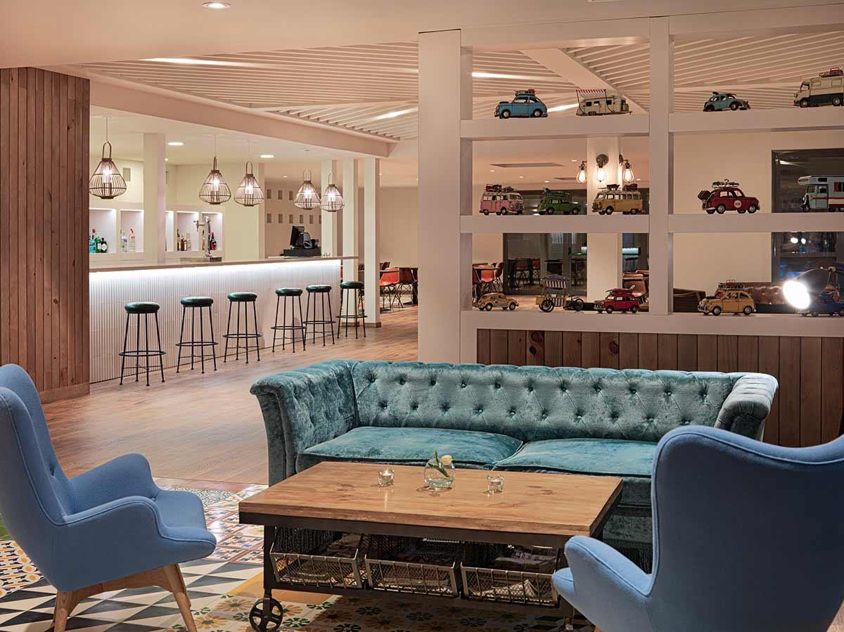 Un mobiliario a la altura de un interiorismo sobresaliente. Hotel H10 Ocean Dreams.
