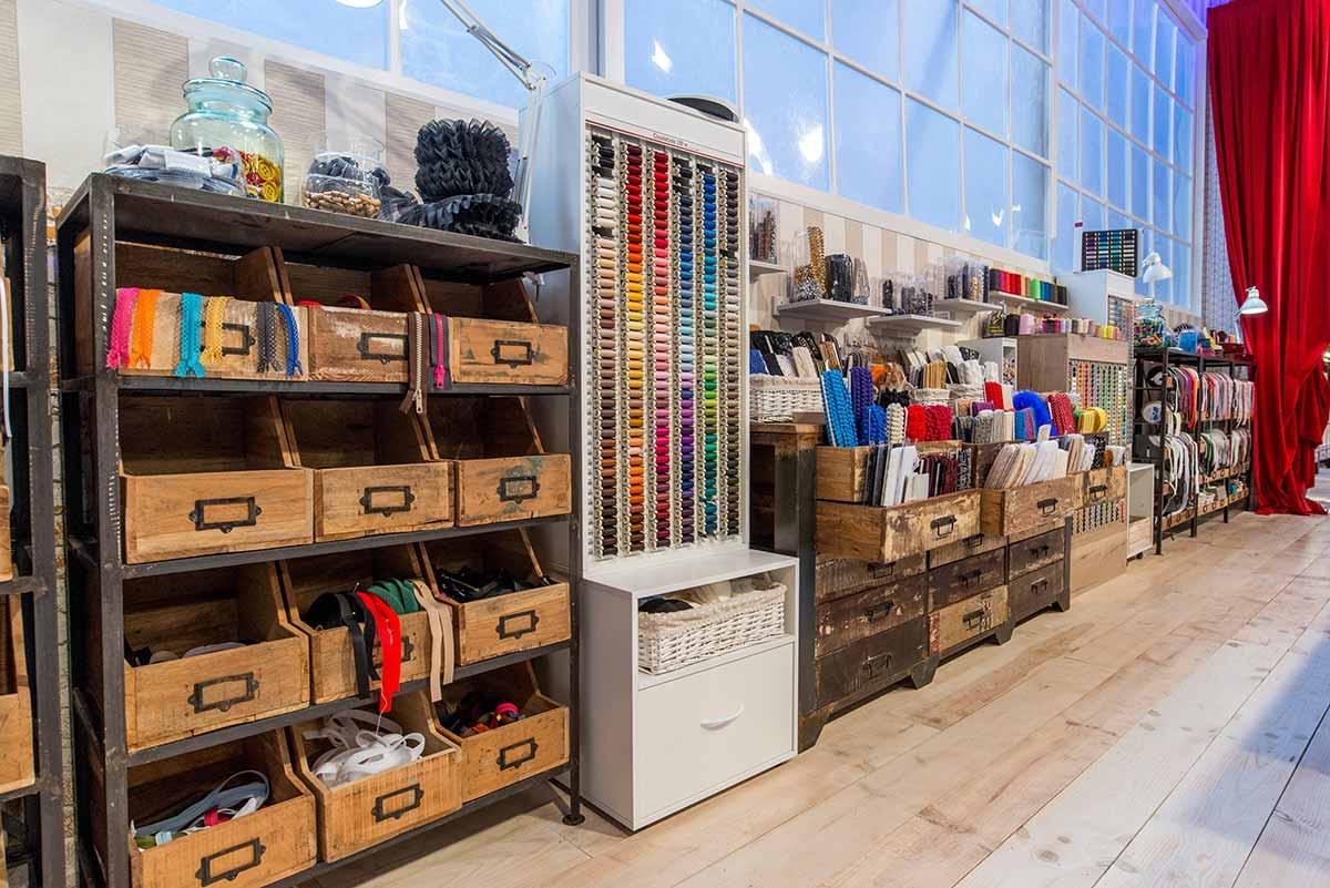 Muebles taller Maestros de la Costura.