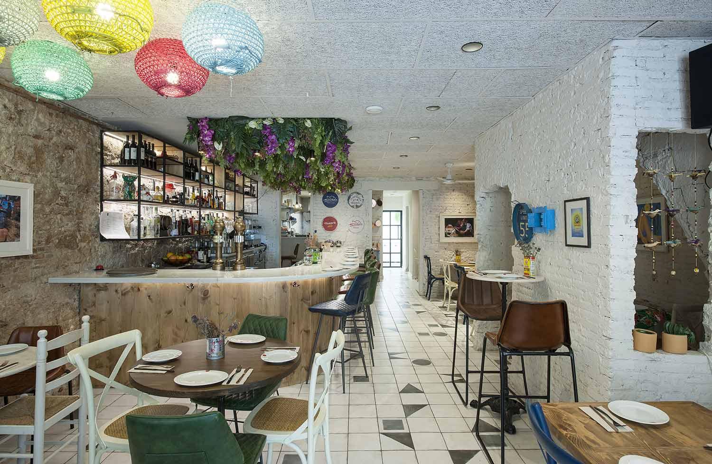 Interiorismo creativo para espacios de cocina fusión.
