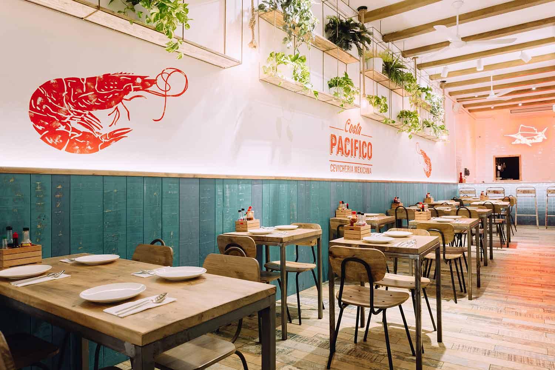 Muebles para restaurantes de Francisco Segarra en Costa Pacífico.