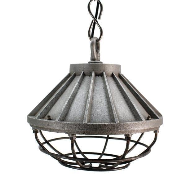 Lámparas de suspensión de estilo industrial.
