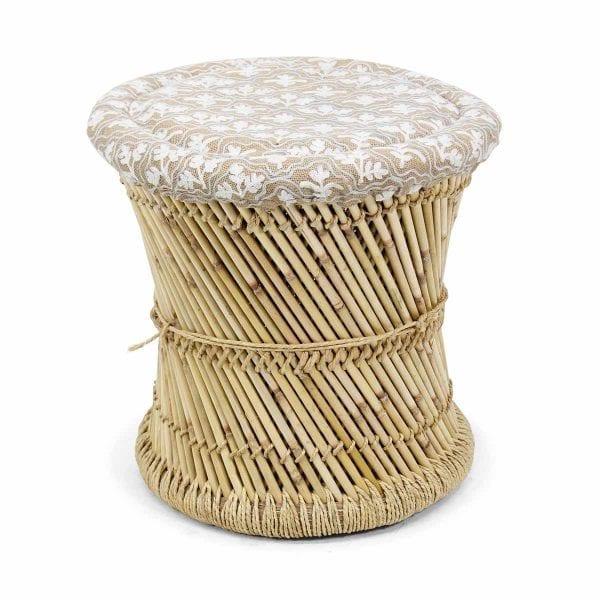AINARA. Taburetes en bambú para cafeterías.