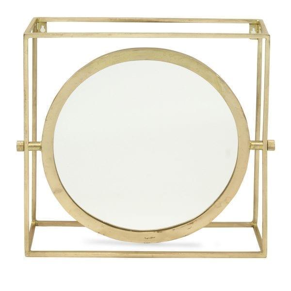 Espejos vintage para baños de uso público.