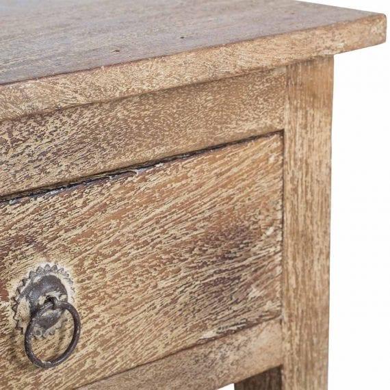Mesa auxiliar vintage de madera.