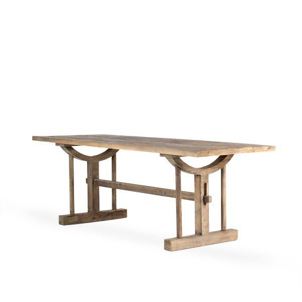 Mesa rectangular para restaurante.