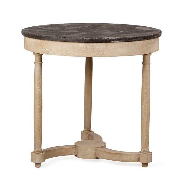Mesas redondas rusticas.